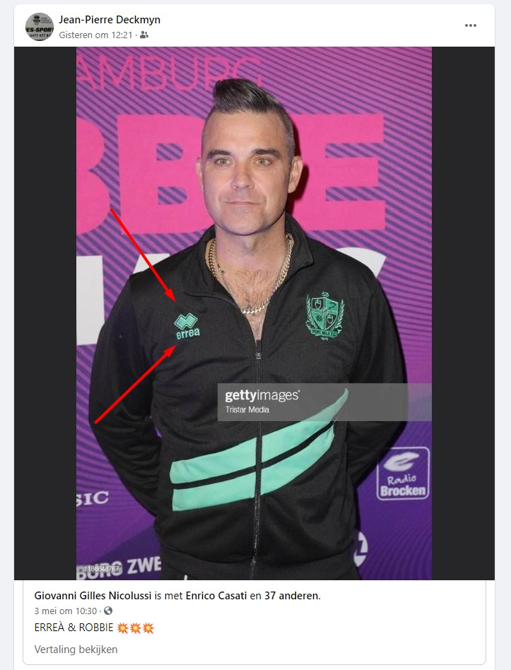 Robbie Williams met Erreà outfit